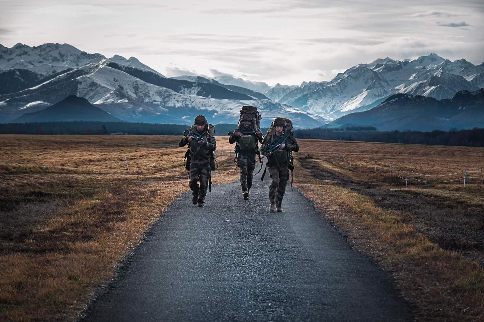 French parachute engineers from 17e RGP on their way out of the drop zone 2021
