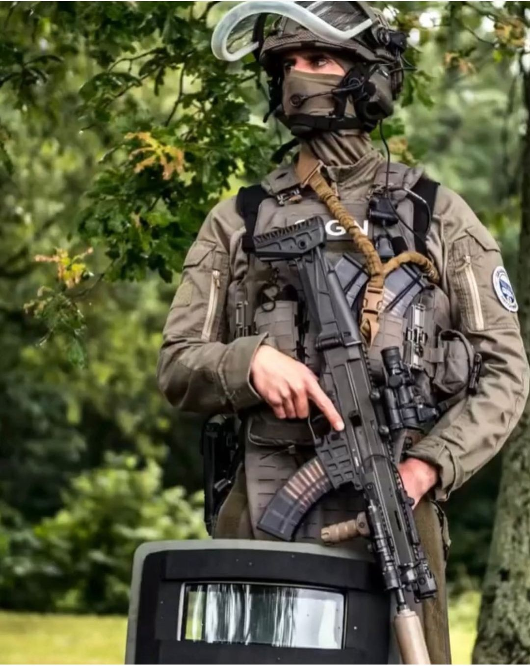 French GIGN operator