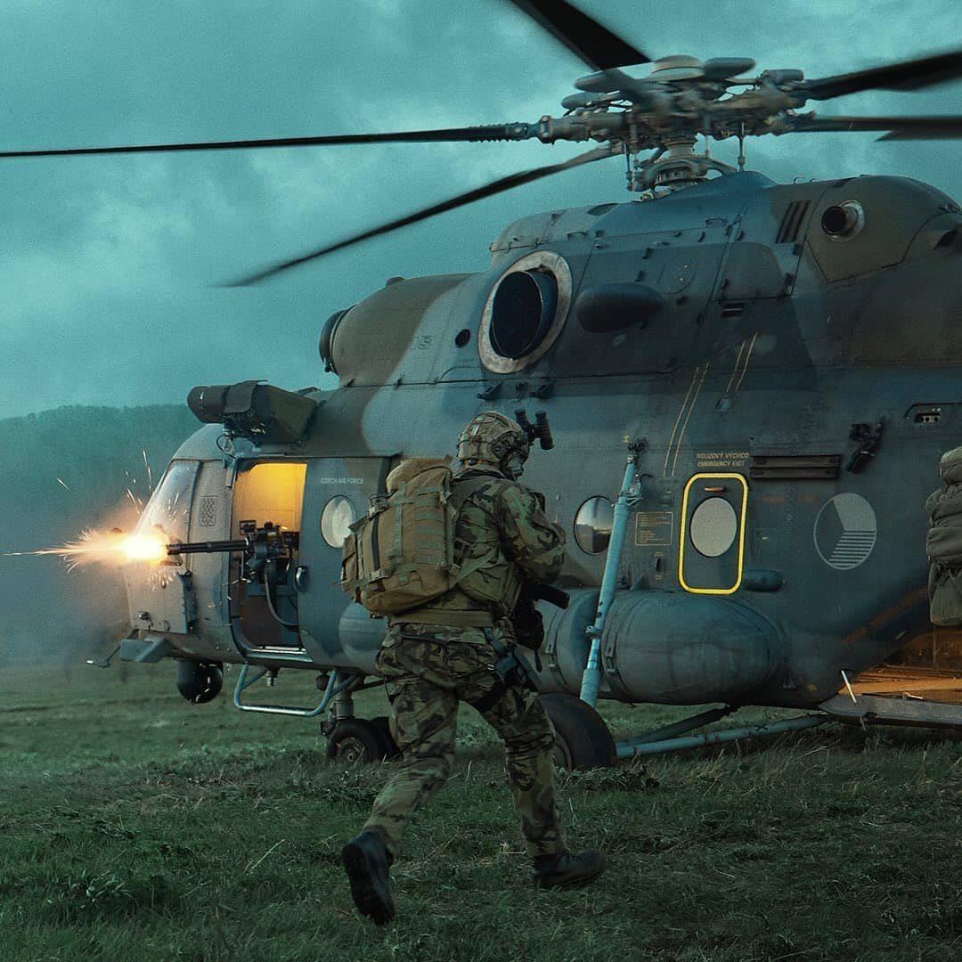Mi-17 in a mock evacuation process. Czech military